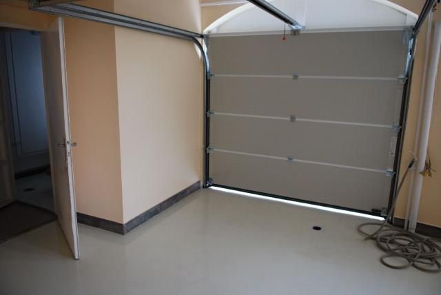 garázs 12