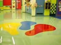 Csoportterem az elkészült műgyanta padlóburkolattal